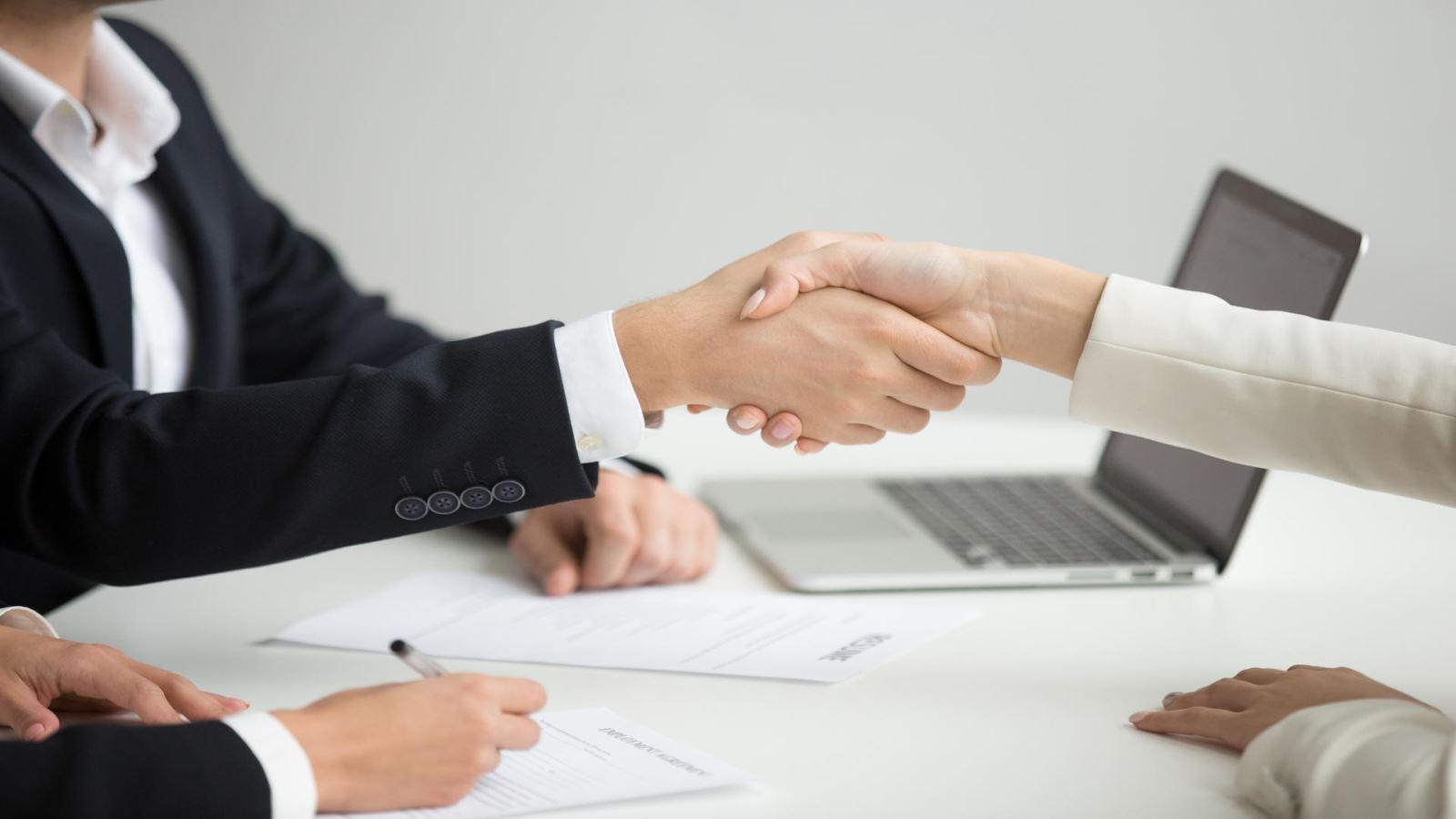 עורך דין המעניק ייצוג מעסיקים בדיני עבודה