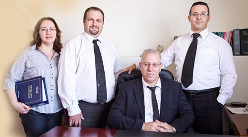 צוות עורכי הדין - משרד עורכי דין שלום בר
